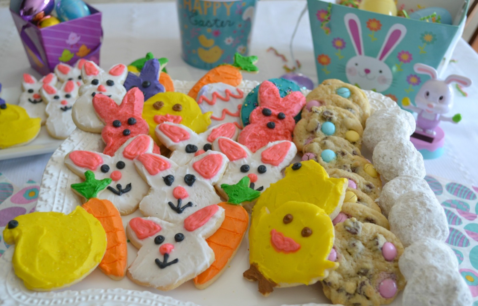 Easter treats for your children or grandchildren always need to include decorated sugar cookies.