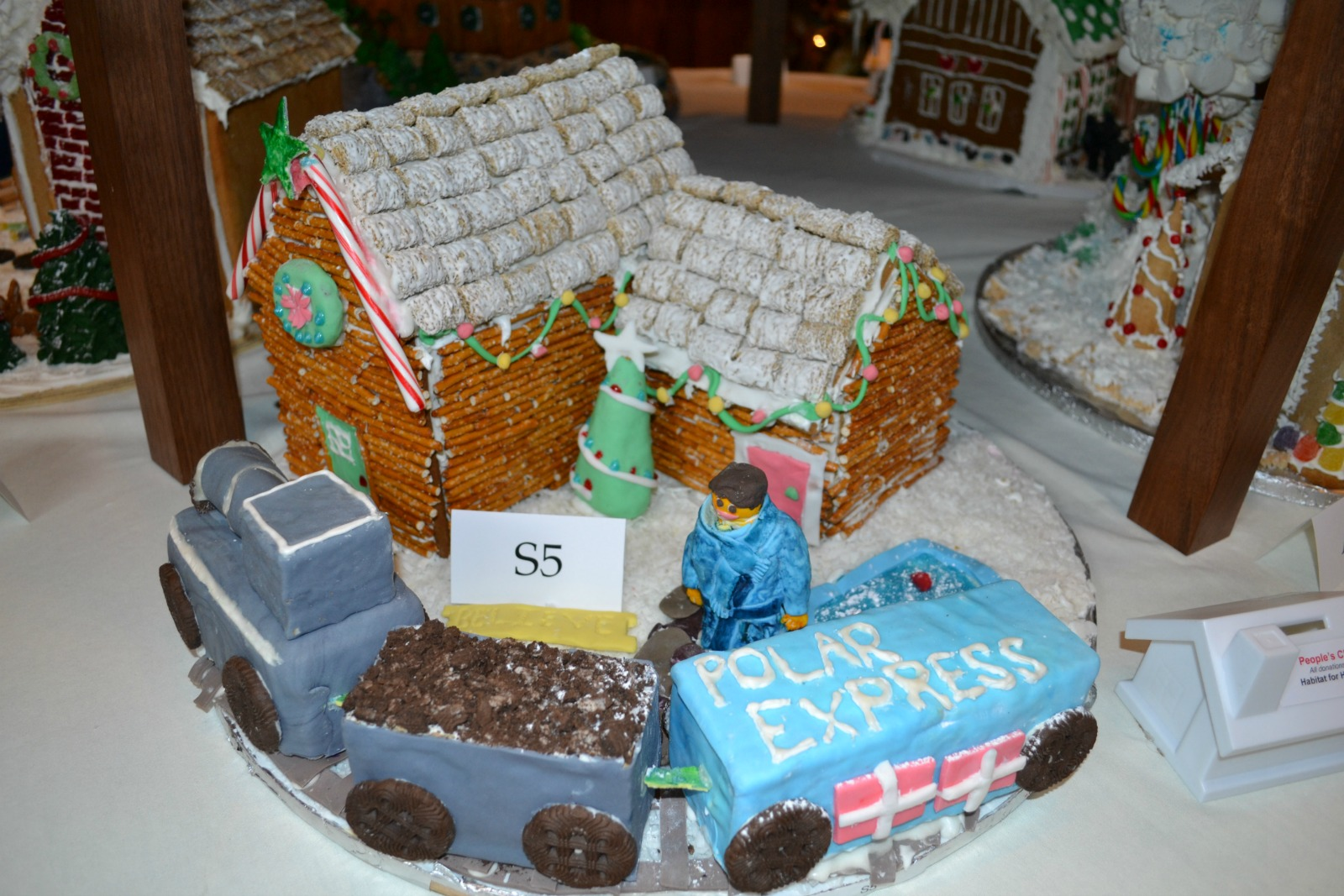 gingerbread house, christmas