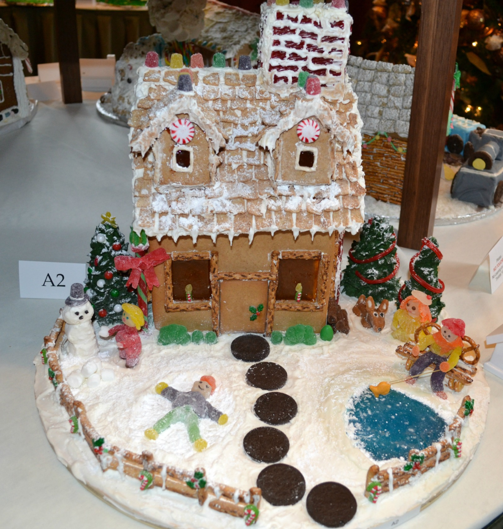 display of the gingerbreadhouses