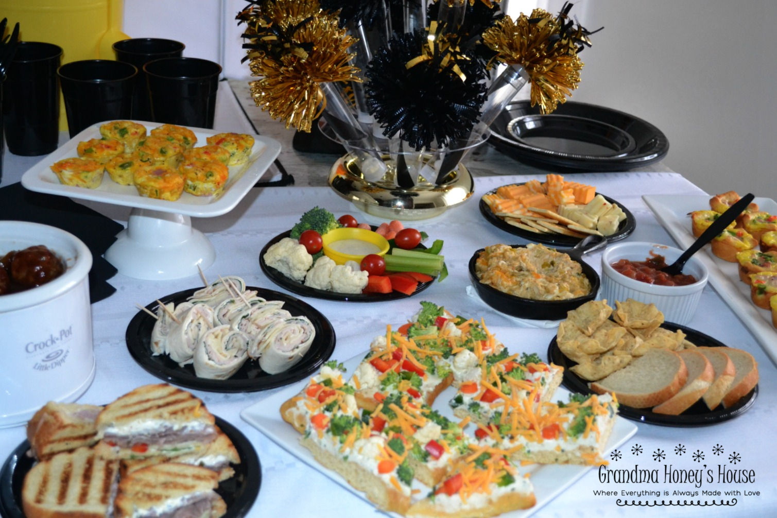 A great collection of Game Day Snacks for 2, including mini appetizers, finger foods, and dips.