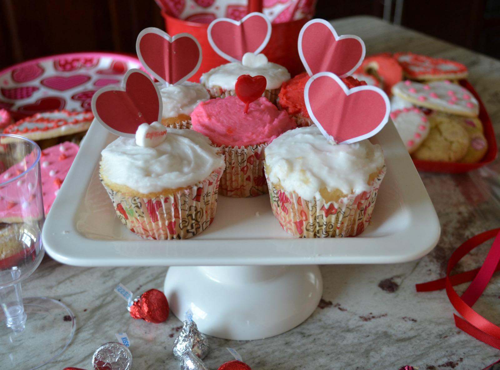valentine's day, treats, cupcakes