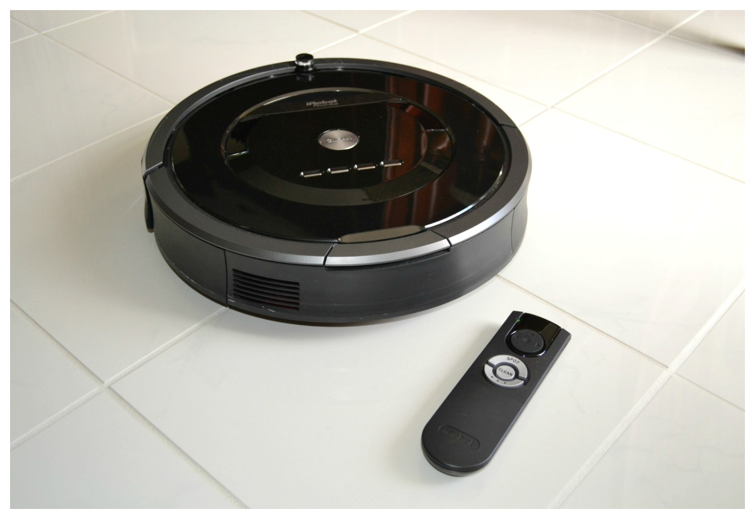 Product review of iRobot Roomba 880.