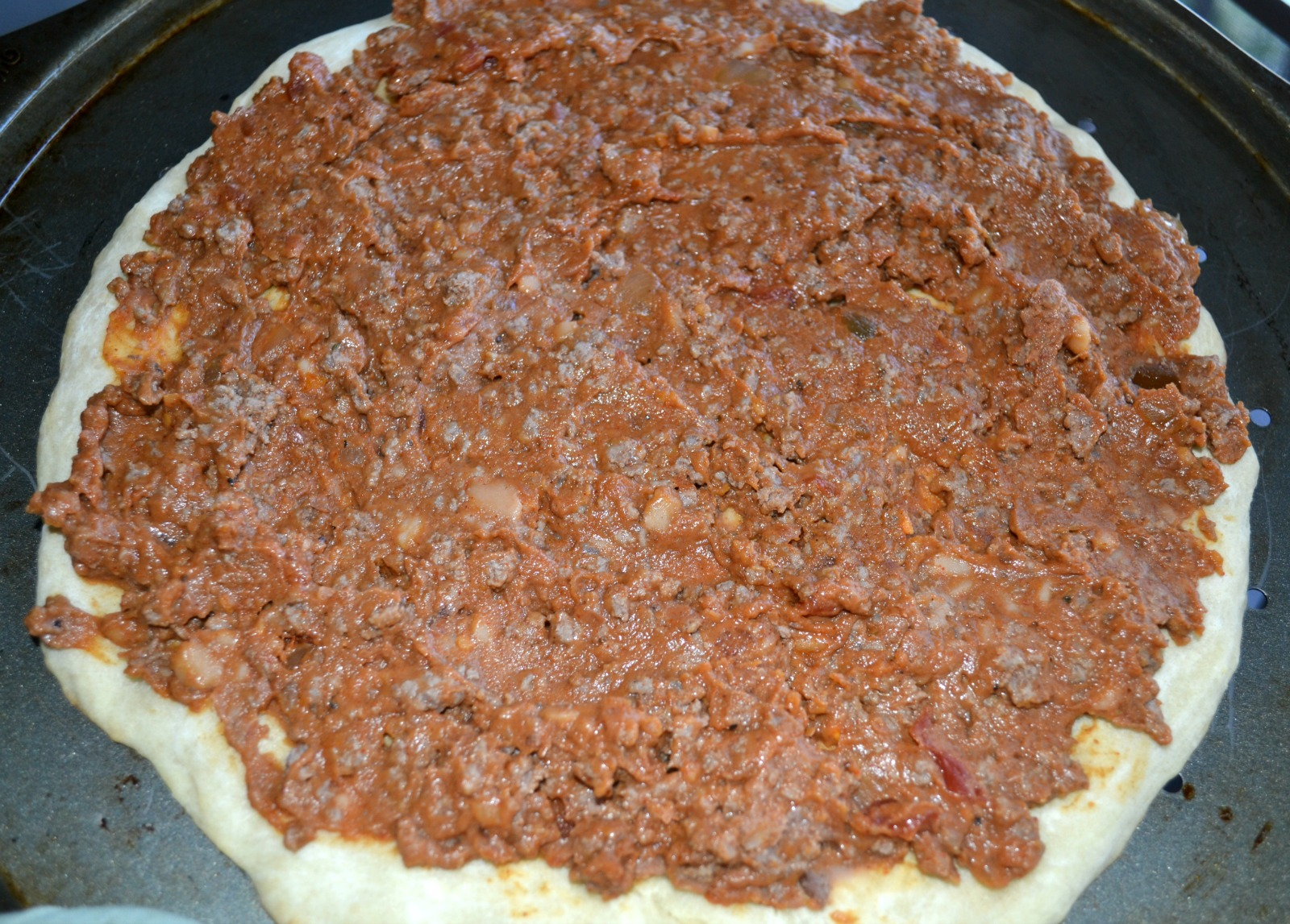 taco pizza, mexican, refried beans