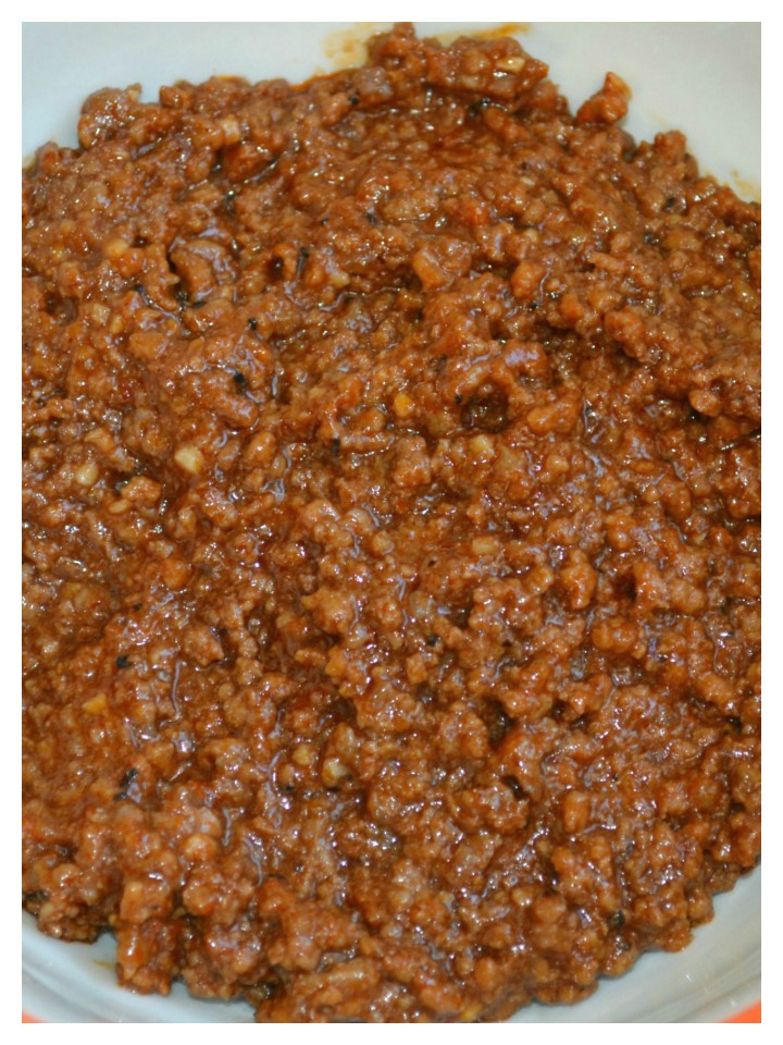 The perfect homemade hot dog sauce with just the right texture, flavor and packed with spices. Great for any cook-out or tailgate party.