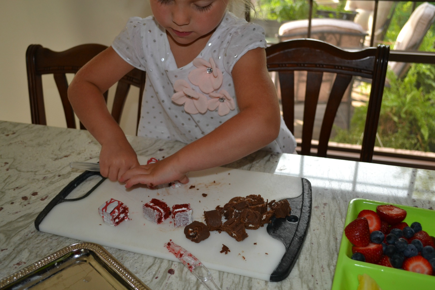 fruit, snack cakes, dessert kabobs, kids cooking