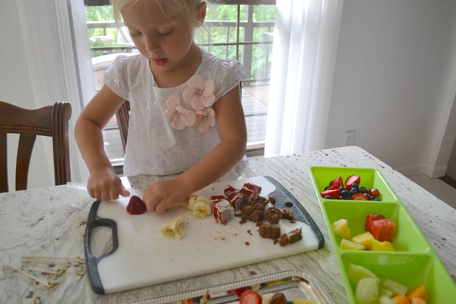 kids cooking, dessert kabobs