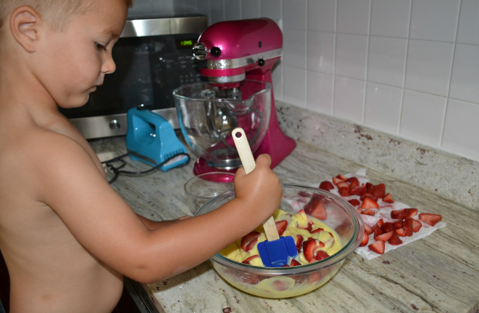 strawberry cream dessert, kids cooking class