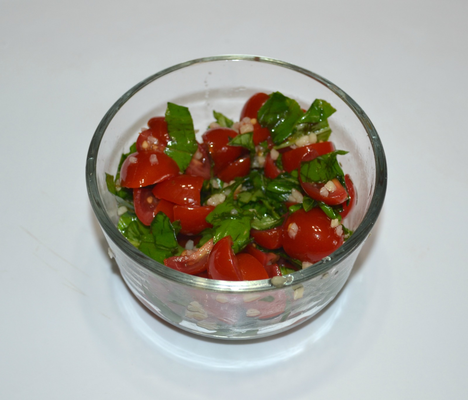 tomatoes, garlic, basil, appetizer