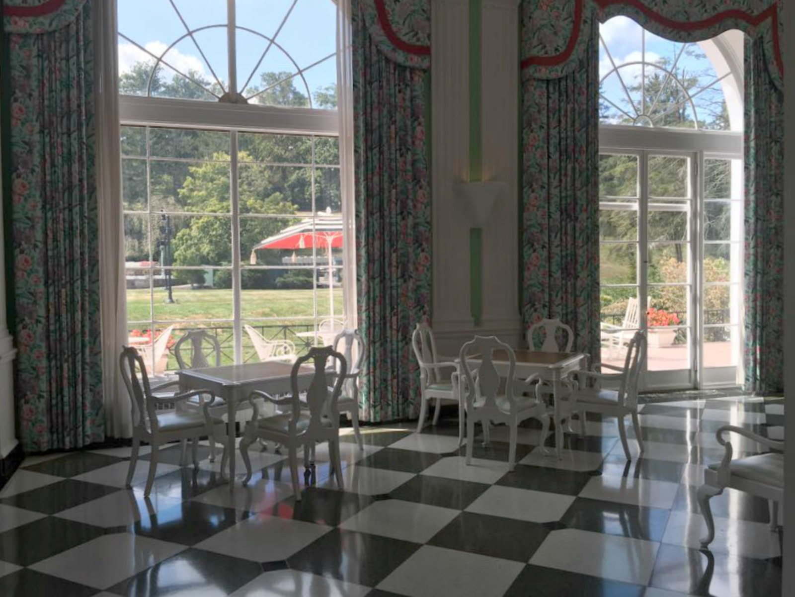 ANNIVERSARY TRIP TO THE GREENBRIER RESORT
