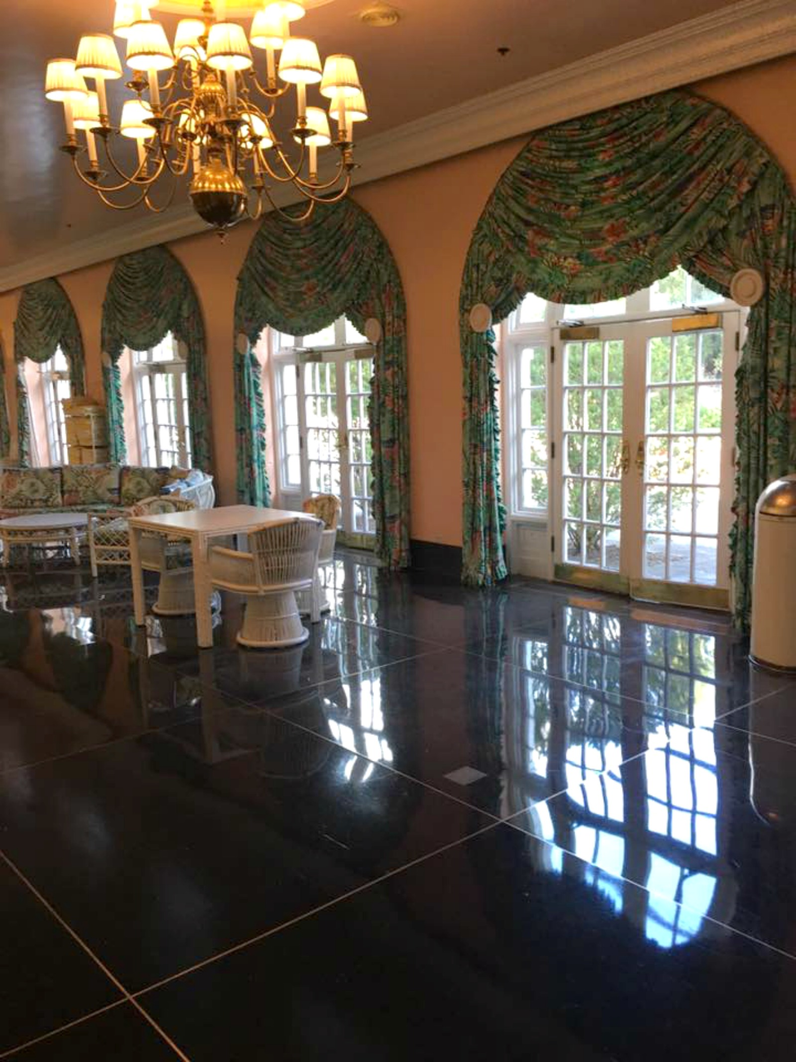 anniversary-trip-to-the-greenbrier-resort