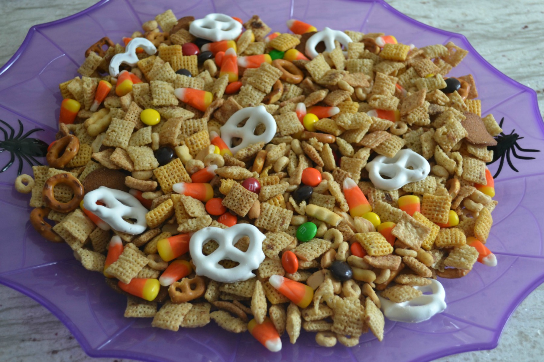 halloween party, chex mix