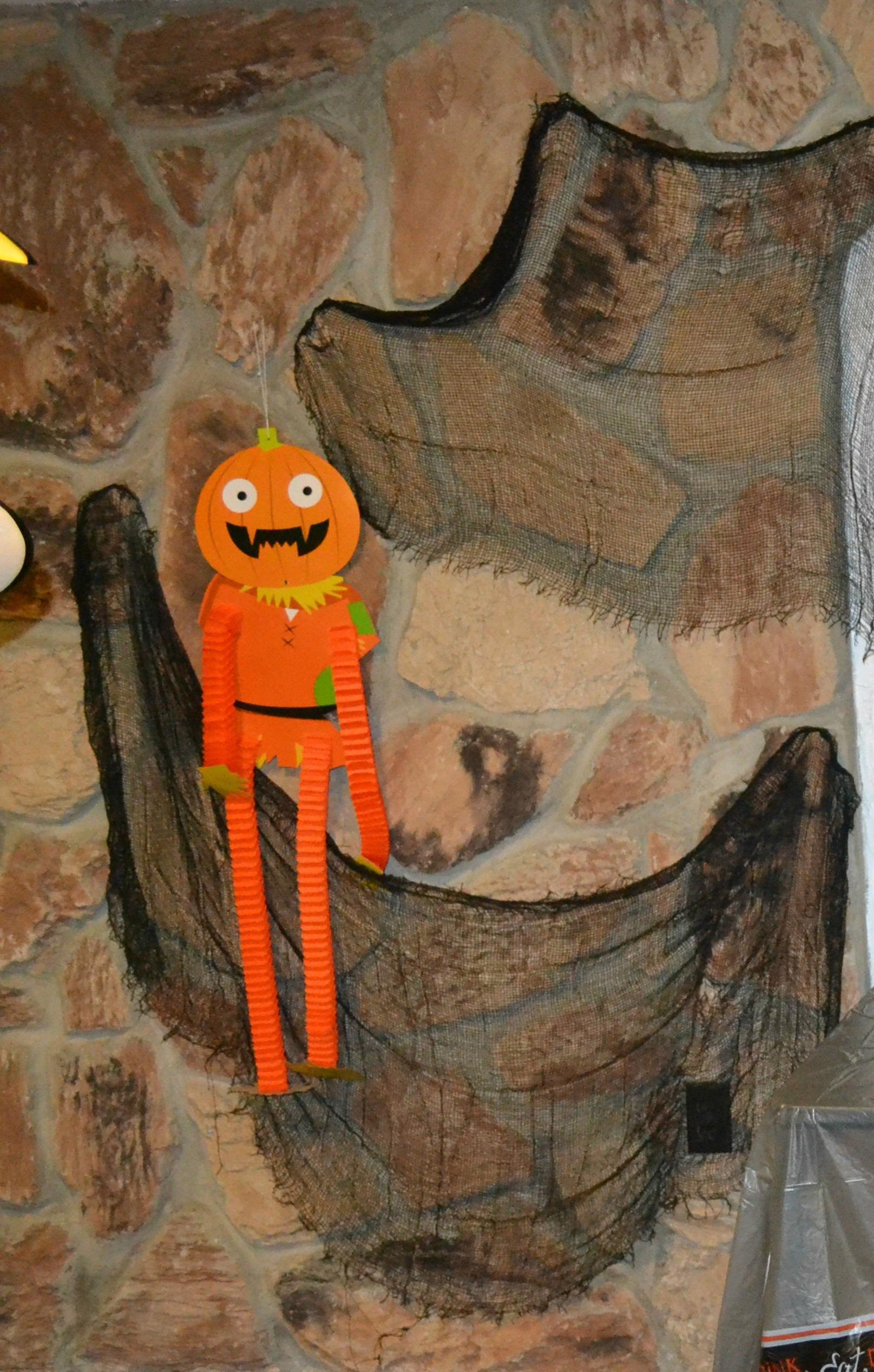 halloween decorating, halloween, dollar store