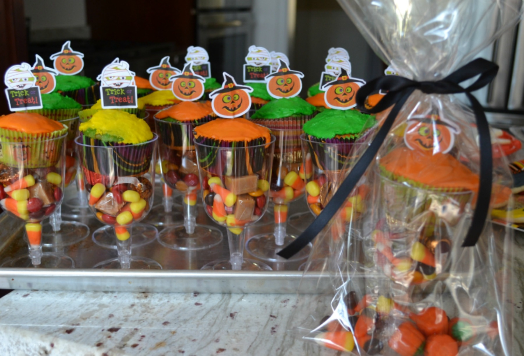 halloween, halloween party, candy bags