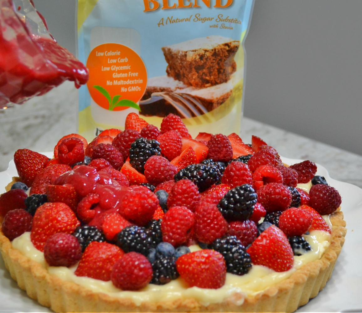 A refreshing berries & cream tart made with Stevia Blend.