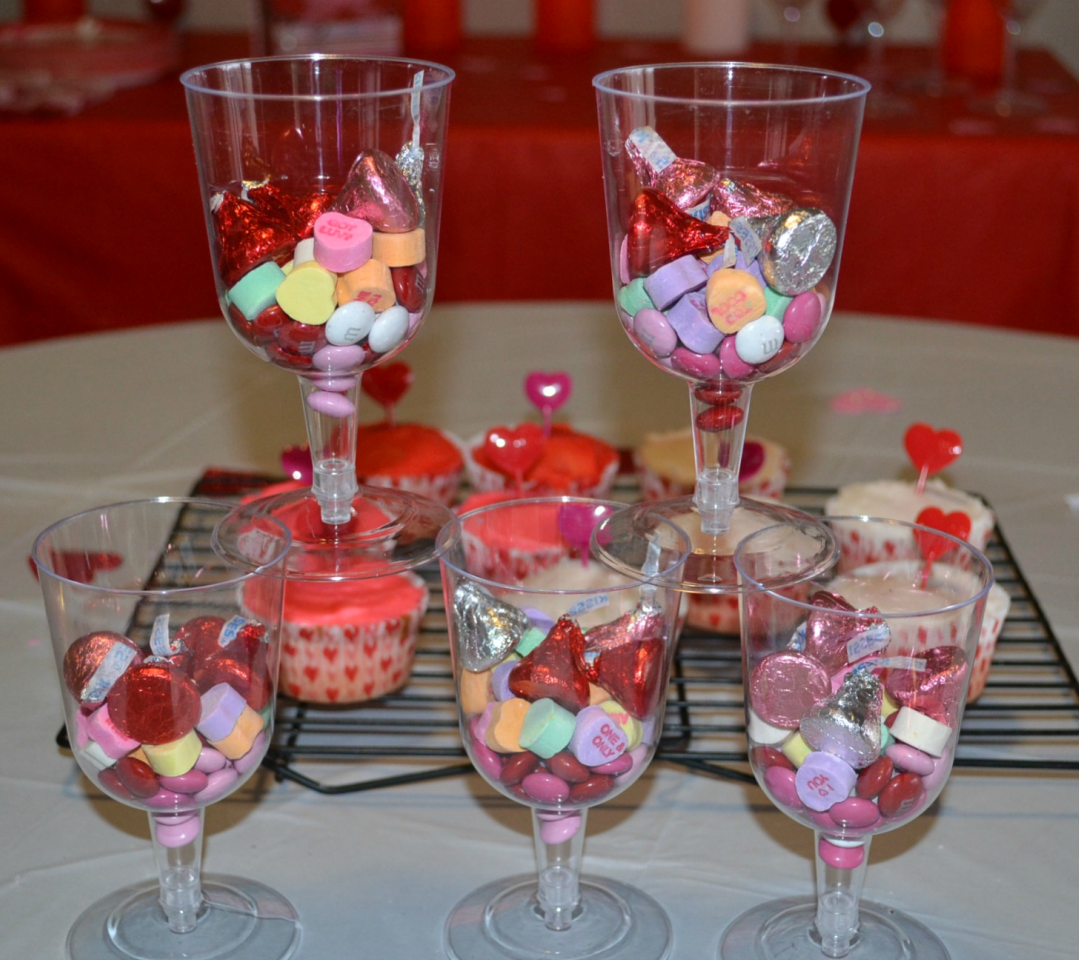 Valentine;s Day tips and treats for your children or grandchildren.