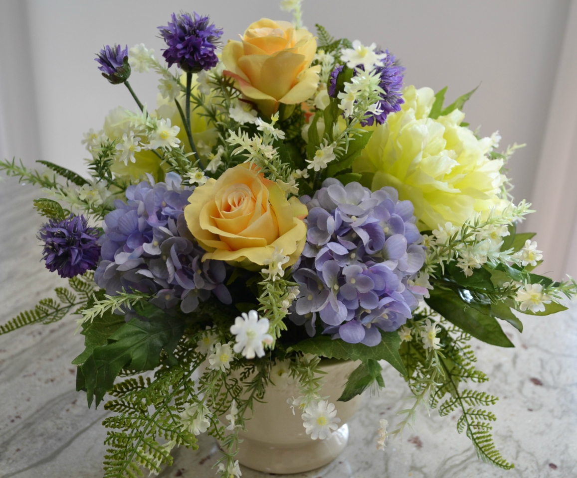 Review of a beautiful arrangement of colorful, silk flowers from Commercial Silk Int'l.
