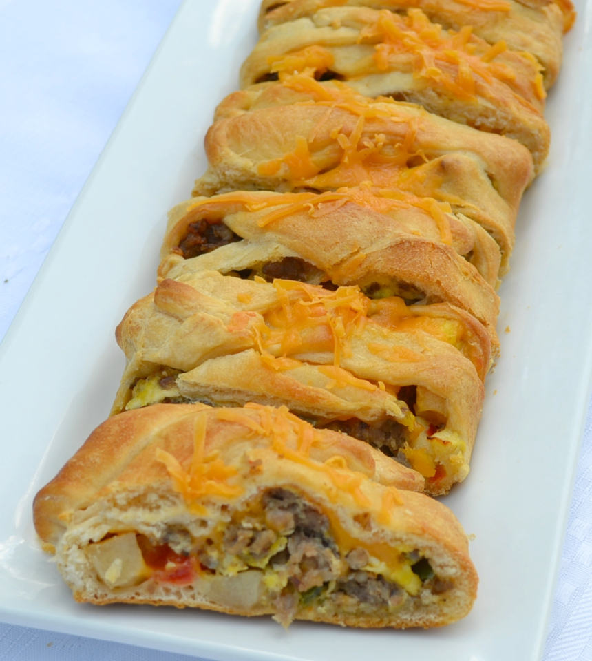 Sausage Apple Cheddar Brunch Braid is a breakfast filling wrapped up in a crescent dough and baked.