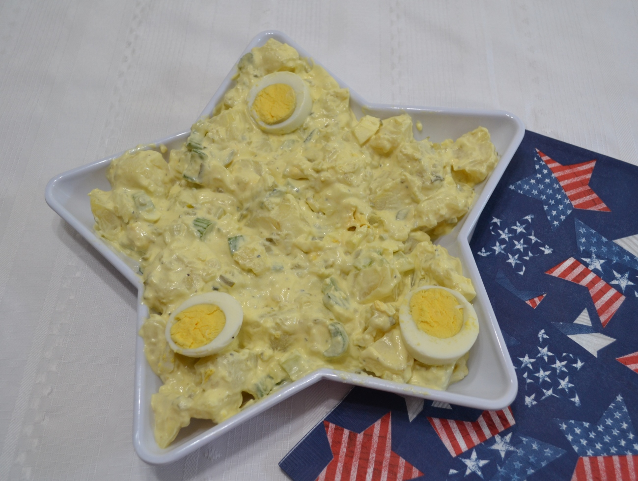 An old fashioned homemade potato salad recipe.