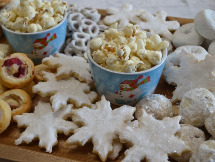 WINTER WONDERLAND SNACK BOARD